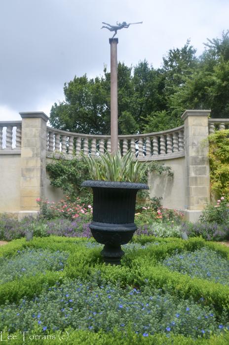 Poetry_Garden_Dallas_Arboretum_Gardening_Lee_Ann_Torrans-2